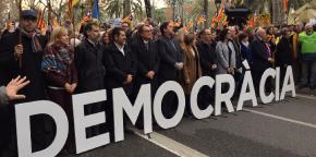 Politicians, leaders of civil society groups support Forcadell outside the court.