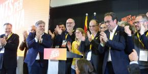 Junts x Catalunya candidates celebrate election win by pro-independence parties.