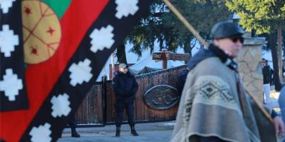 Mapuche activists protest outside courthouse on August 30 2016 in Esquel to support Facundo Huala Jones.