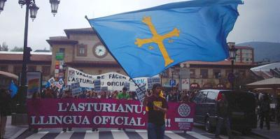 Demonstration for official status for Asturian.