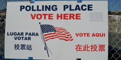 A polling place in San Francisco, indicated by a trilingual sign.